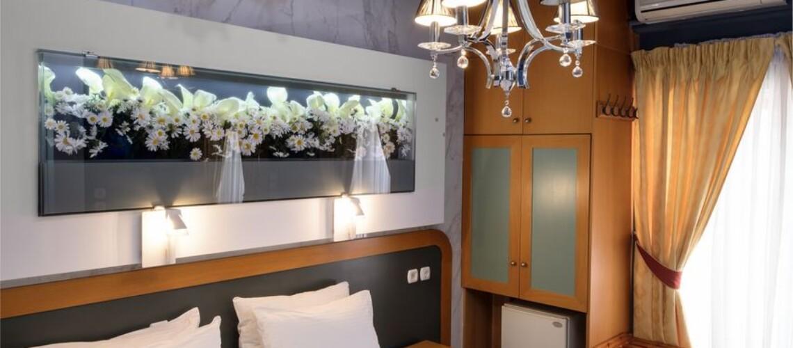 _32v_ 0300_2020_32_hotel segas-edit_resized